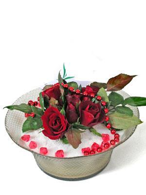 Giresun çiçek gönderme sitemiz güvenlidir  EN ÇOK Sevenlere 7 adet kirmizi gül mika yada cam tanzim