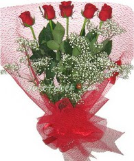 5 adet kirmizi gülden buket tanzimi  Giresun 14 şubat sevgililer günü çiçek