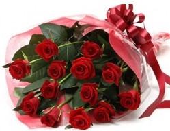 Giresun ucuz çiçek gönder  10 adet kipkirmizi güllerden buket tanzimi