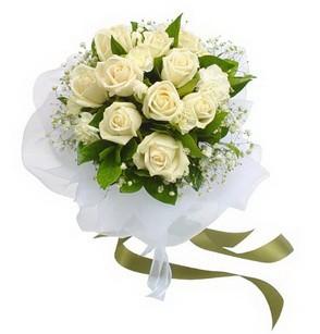 Giresun online çiçek gönderme sipariş  11 adet benbeyaz güllerden buket