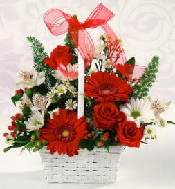 Karışık rengarenk mevsim çiçek sepeti  Giresun İnternetten çiçek siparişi