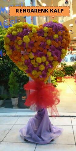 Ankara mevsim çiçeklerinden kalp perförje  Giresun hediye sevgilime hediye çiçek