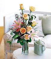 Giresun çiçek servisi , çiçekçi adresleri  cam yada mika vazo içerisinde gül kazablanka