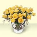 Giresun hediye sevgilime hediye çiçek  11 adet sari gül cam yada mika vazo içinde