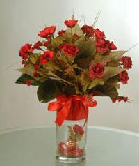 yapay güllerden vazo  9 gül  Giresun çiçek satışı