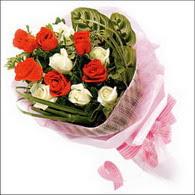 5 kirmizi 5 beyaz güllerden   Giresun çiçek yolla