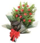 12 adet kirmizi gül buketi   Giresun güvenli kaliteli hızlı çiçek