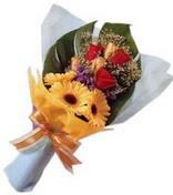 güller ve gerbera çiçekleri   Giresun uluslararası çiçek gönderme