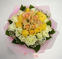 sari ve beyaz gül karisimda   Giresun çiçek servisi , çiçekçi adresleri