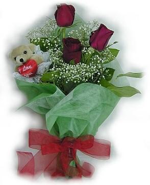 3 adet gül ve küçük ayicik buketi  Giresun çiçek gönderme