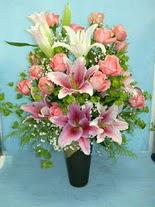 Giresun online çiçekçi , çiçek siparişi  cam vazo içerisinde 21 gül 1 kazablanka