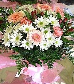 Giresun kaliteli taze ve ucuz çiçekler  karma büyük ve gösterisli mevsim demeti