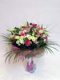 Giresun kaliteli taze ve ucuz çiçekler  karisik mevsim buketi mevsime göre hazirlanir.