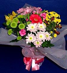 Giresun kaliteli taze ve ucuz çiçekler  küçük karisik mevsim demeti