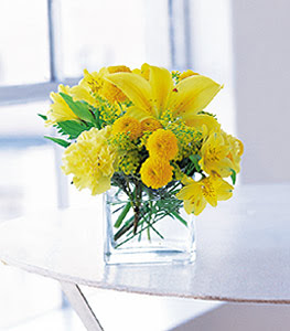 Giresun çiçek mağazası , çiçekçi adresleri  sarinin sihri cam içinde görsel sade çiçekler