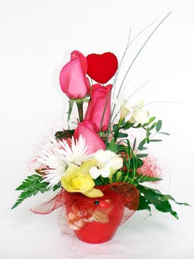 Giresun çiçek mağazası , çiçekçi adresleri  cam içerisinde 3 adet gül ve kir çiçekleri