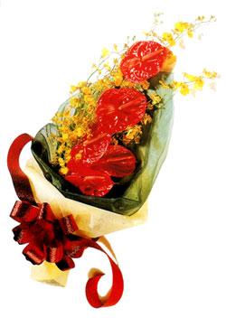 özel 5 adet antorium buketi   Giresun uluslararası çiçek gönderme