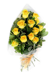 Giresun internetten çiçek siparişi  12 li sari gül buketi.