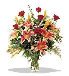 Giresun çiçek siparişi sitesi  Pembe Lilyum ve Gül