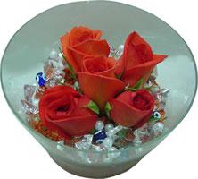 Giresun çiçek , çiçekçi , çiçekçilik  5 adet gül ve cam tanzimde çiçekler