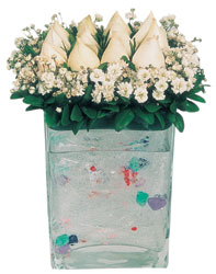 Giresun güvenli kaliteli hızlı çiçek  7 adet beyaz gül cam yada mika vazo tanzim