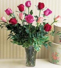 Giresun internetten çiçek satışı  12 adet karisik renkte gül cam yada mika vazoda