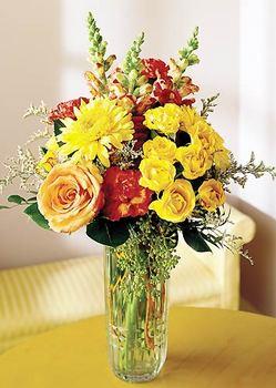 Giresun çiçek , çiçekçi , çiçekçilik  mika yada cam içerisinde karisik mevsim çiçekleri