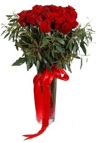 15 adet kirmizi gül cam vazo içerisinde  Giresun online çiçekçi , çiçek siparişi