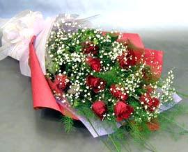 10 adet kirmizi gül çiçegi gönder  Giresun ucuz çiçek gönder