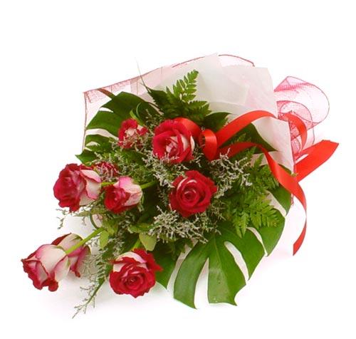 çiçek gönder 7 adet kirmizi gül buketi  Giresun çiçekçiler