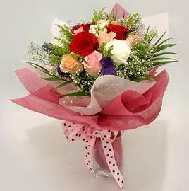 Karisik renklerde 11 adet gül buketi  Giresun anneler günü çiçek yolla