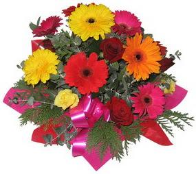 Karisik mevsim çiçeklerinden buket  Giresun hediye çiçek yolla