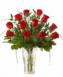 cam yada mika vazo içerisinde 9 kirmizi gül  Giresun yurtiçi ve yurtdışı çiçek siparişi