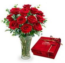 Giresun güvenli kaliteli hızlı çiçek  10 adet cam yada mika vazoda gül çikolata