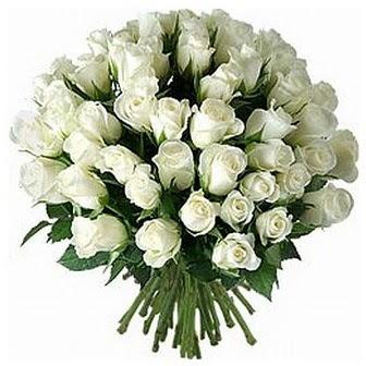Giresun çiçek siparişi sitesi  33 adet beyaz gül buketi