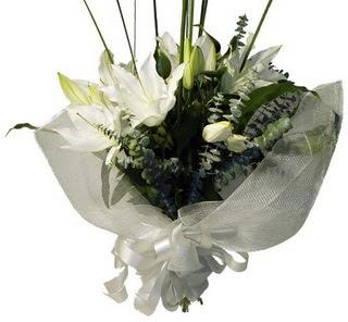 Giresun güvenli kaliteli hızlı çiçek  2 dal kazablanka çiçek buketi