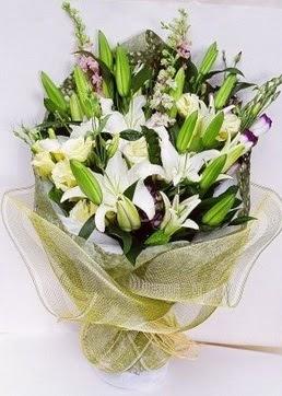 Giresun çiçek siparişi sitesi  3 adet kazablankalardan görsel buket çiçeği