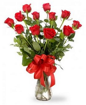 Giresun çiçek servisi , çiçekçi adresleri  12 adet kırmızı güllerden vazo tanzimi