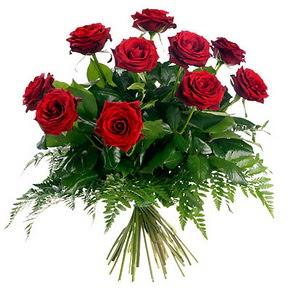 Giresun anneler günü çiçek yolla  10 adet kırmızı gülden buket