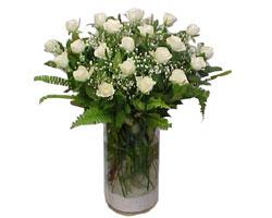Giresun çiçek siparişi vermek  cam yada mika Vazoda 12 adet beyaz gül - sevenler için ideal seçim