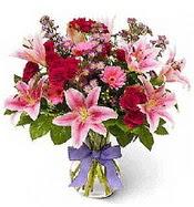 Vazo içerisinde karışık mevsim çiçeği  Giresun yurtiçi ve yurtdışı çiçek siparişi