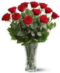 11 adet kırmızı gül vazoda  Giresun İnternetten çiçek siparişi