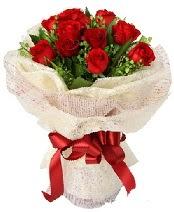 12 adet kırmızı gül buketi  Giresun ucuz çiçek gönder