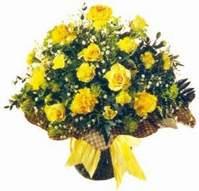 Giresun çiçek servisi , çiçekçi adresleri  Sari gül karanfil ve kir çiçekleri