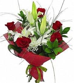 1 dal kazablanka 5 kırmızı gül buketi  Giresun çiçekçiler