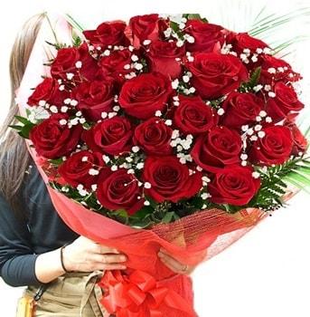 Kız isteme çiçeği buketi 33 adet kırmızı gül  Giresun uluslararası çiçek gönderme