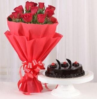 10 Adet kırmızı gül ve 4 kişilik yaş pasta  Giresun online çiçekçi , çiçek siparişi