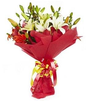 5 dal kazanlanka lilyum buketi  Giresun uluslararası çiçek gönderme